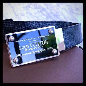 Louis Vuitton mens damier blk belt !!